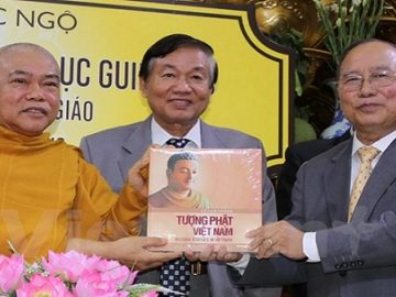 """""""Tượng Phật Việt Nam"""" lập kỷ lục bởi bước chân nhiếp ảnh gia 30 năm một công trình đáng giá"""